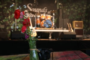 Blumenstrauss mit Bühne